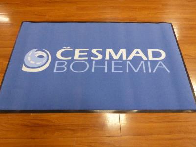 Logovou rohož pro firmu Česmad Bohemia jsme dodávali v původní kvalitě 198 Logo Superior.