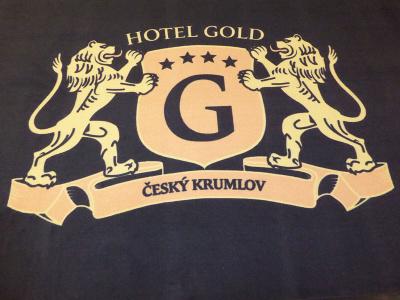 Logová rohož pro hotel Gold v Českém Krumlově jsme dodávali v původní kvalitě 198 Logo Superior.