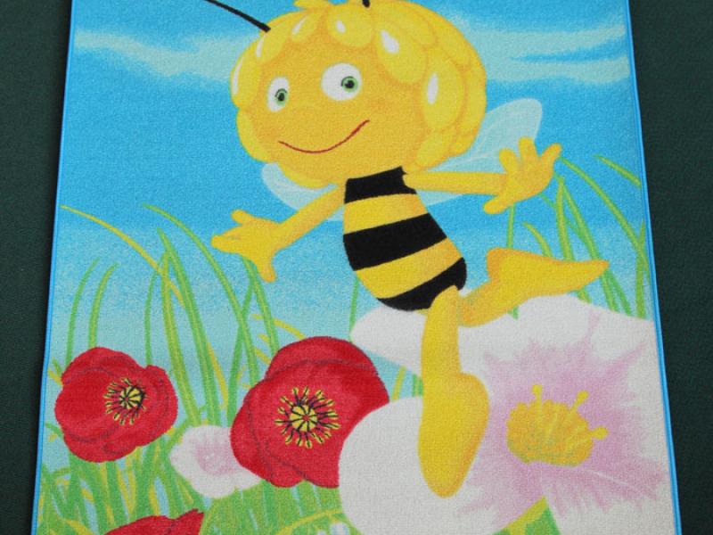 Včelka Mája 1 - Maya busy bee